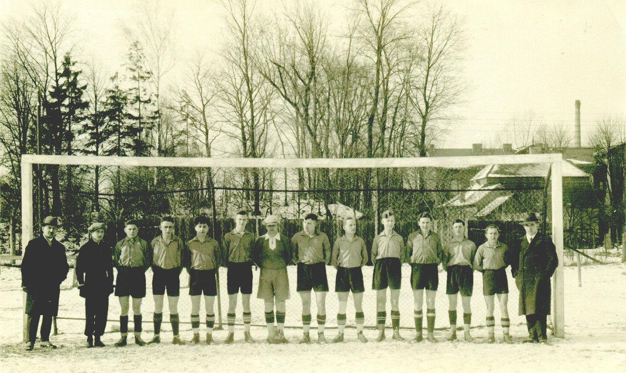 Mannschaft aus den 30er Jahren.