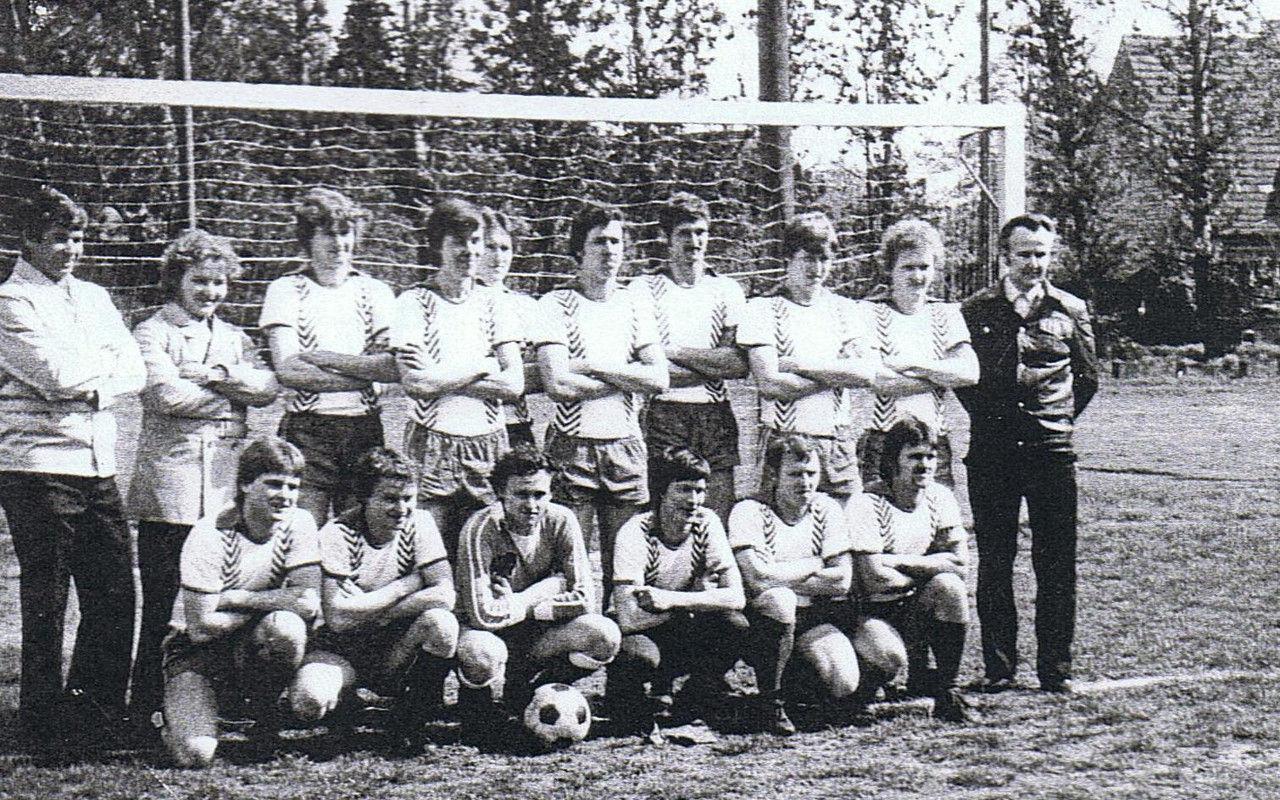 Mannschaft aus den 81er Jahren.