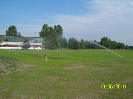 Sprinkleranlage beim Platz bewässern